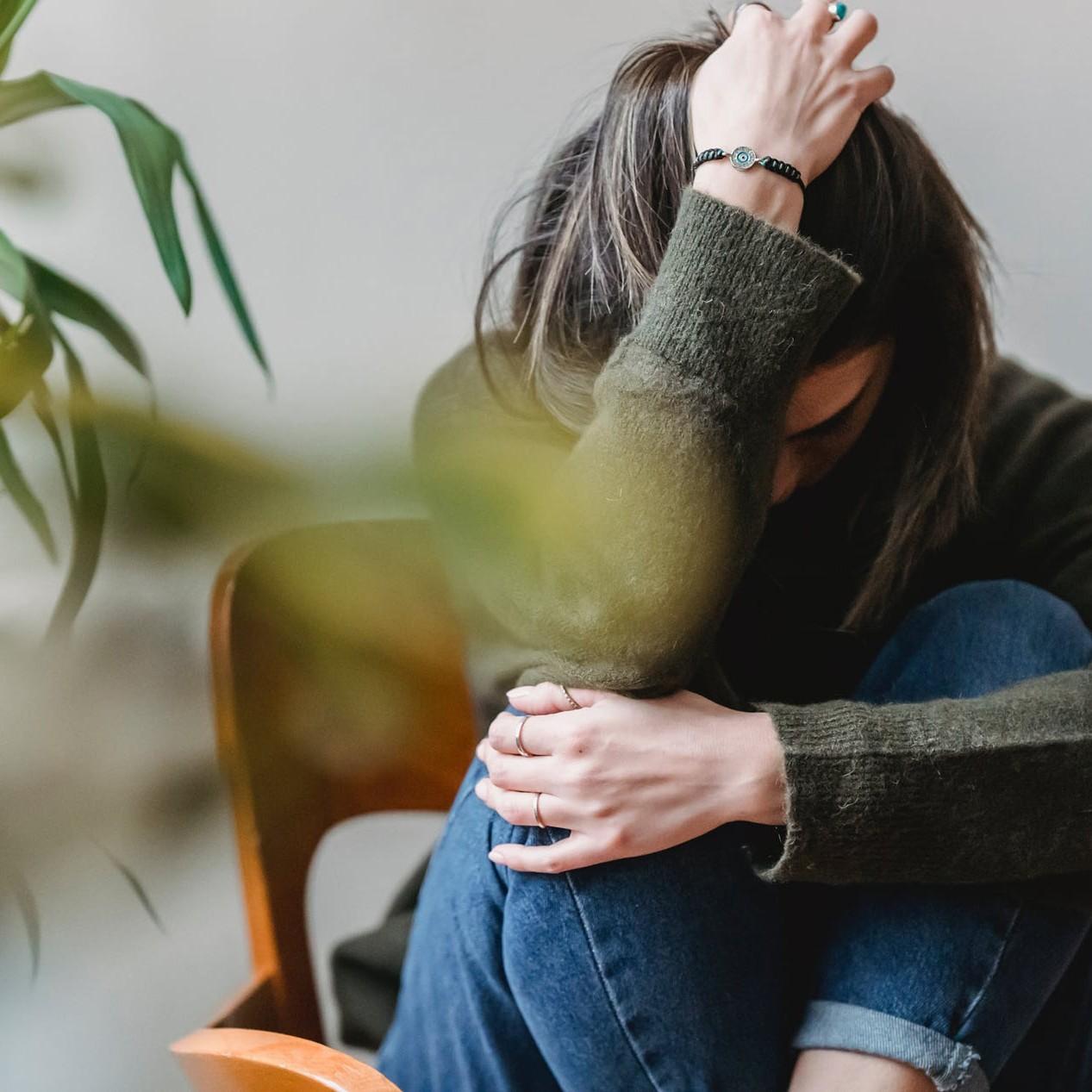 He pensado en dejar los medicamentos pero igual me da miedo a una recaída pero me siento mal sexualmente- no funciono... ¿Qué hago?